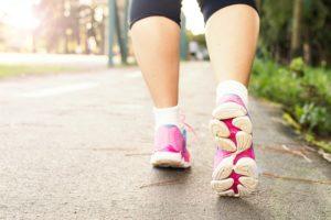 膝の痛み 歩き方